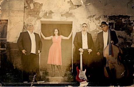 Lynne Poulsen and The Dreamcatchers, 2013 (photo - Colette Yslie Benjamin)